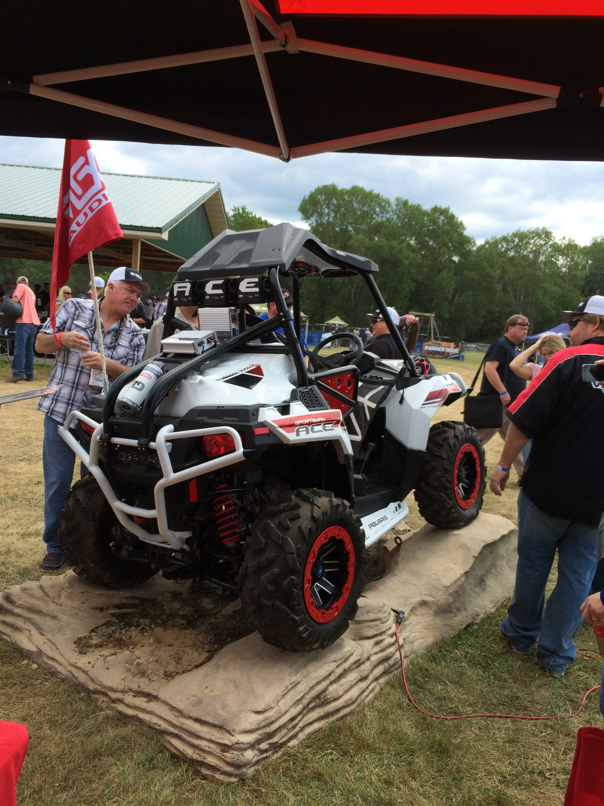 Dealers Checking out the MTX Polaris ACE